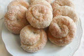 Готовим дома. Сахарное печенье с корицей на кефире.