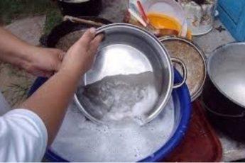 Чистка сковороды и кастрюль до идеального блеска
