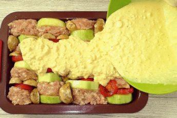 Беру фарш, овощи и готовлю «кабачки наоборот». Жарить и у плиты стоять не нужно 1