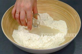 Когда мужу задерживали зарплату, готовила печенье «8 рюмок». Недорого, просто и вкусно 1