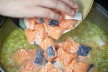 Рецепт вкусного супа со сливками и красной рыбой 1