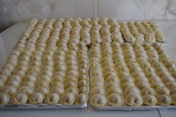 Когда обычные пельмени мне уже надоели, я готовлю их в духовке. Не поверите, насколько это вкусно!